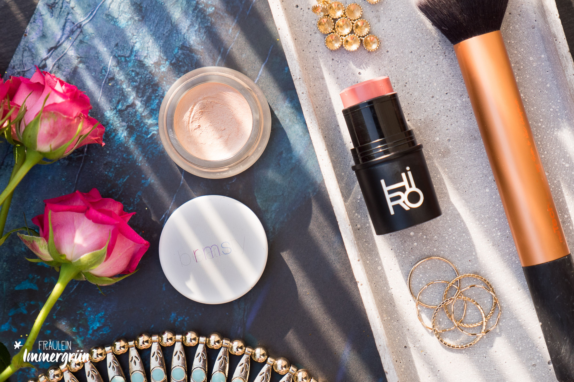 RMS Beauty Magic Luminizer / Hiro Multistick Backstage