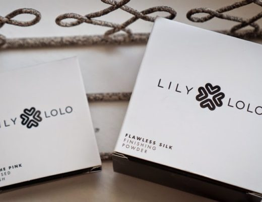 Lily Lolo Pressed Blush In the Pink, Finishing Powder Flawless Silk