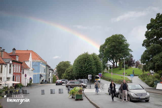 Norwegen: Regenbogen in Bergen