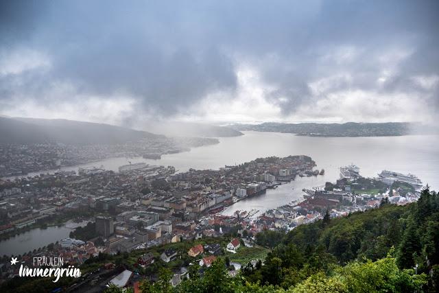 Norwegen: Bergen von oben