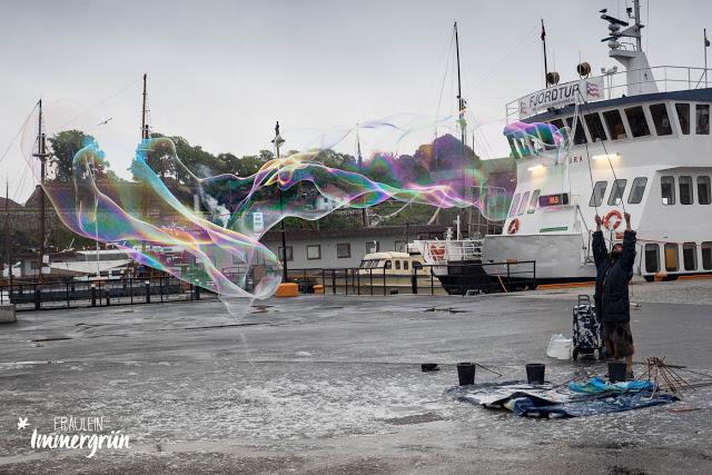 Seifenblasen im Hafen von Oslo
