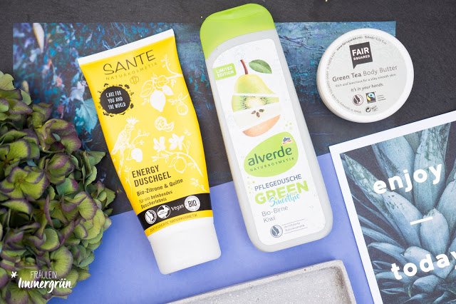 Sante Energy Duschgel Bio-Zitrone & Quitte, Alverde Pflegedusche Green Smoothie Bio-Birne & Kiwi, Fair Squared Green Tea Body Butter