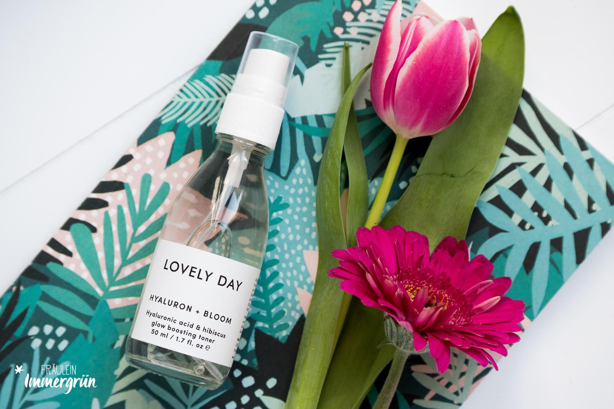 Naturkosmetik für sensible Haut: Glow und Feuchtigkeit mit Lovely Day Botanicals | Hyaluron + Bloom Face Toner | Glow Boosting Toner