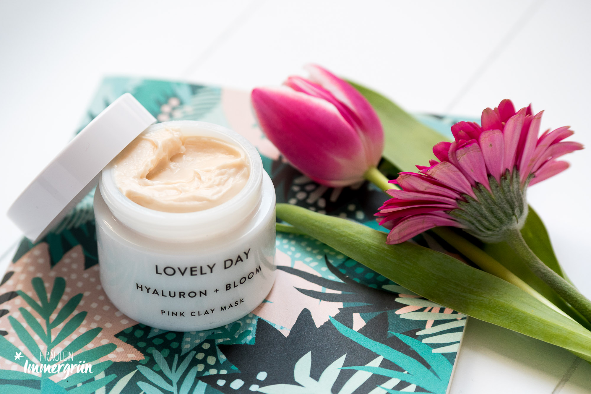 Naturkosmetik für sensible Haut: Glow und Feuchtigkeit mit Lovely Day Botanicals | Hyaluron + Bloom Face Toner | Tropical Hydration Nectar
