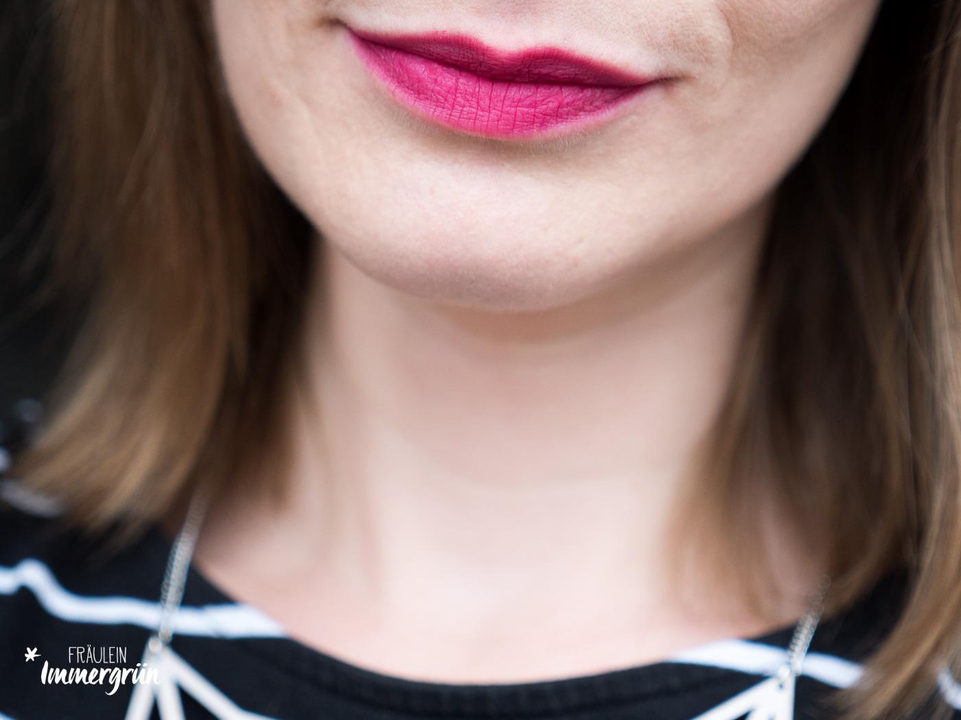 100 Percent Pure natuerlicher Lippenstift: Swatches und Farbübersicht von Cocoa Butter Semi-Matte Lipstick Marrakesh, Pomegranate Oil Anti Aging Lipstick Narcissus und Cocoa Butter Semi-Matte Lipstick Marrakesh Currant. Vegane Naturkosmetik mit Furchtpigmenten.
