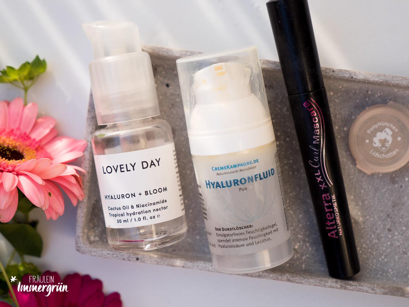 Naturkosmetik: Mit milder und reizfreier Gesichtspflege, wie Lovely Days Serum, Reinigungsgel und Toner, sowie Makeup, aber auch Duschgel.