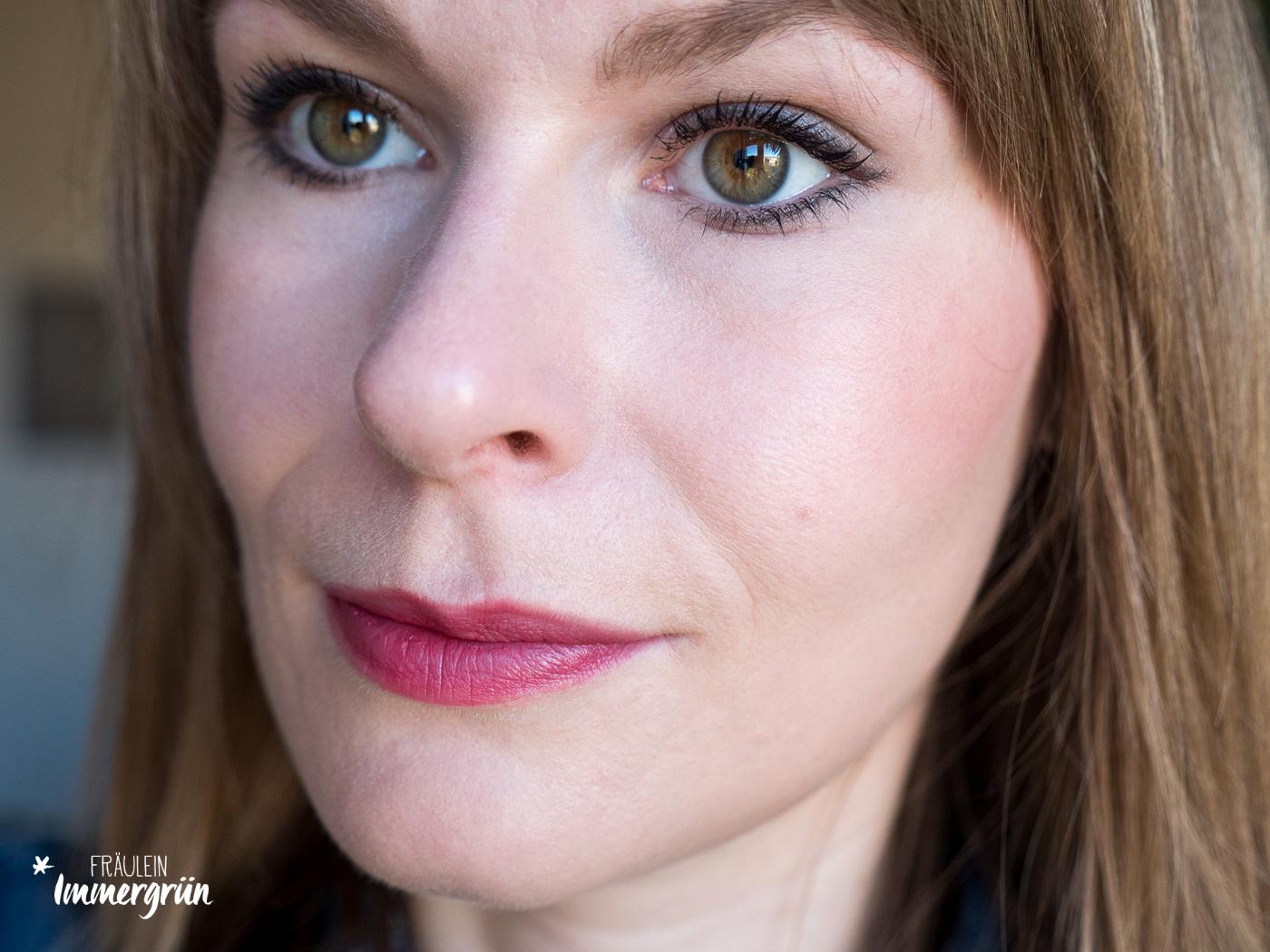 Gressa Skin - Minimalist Corrective Serum Foundation – Swatches und Tragebilder