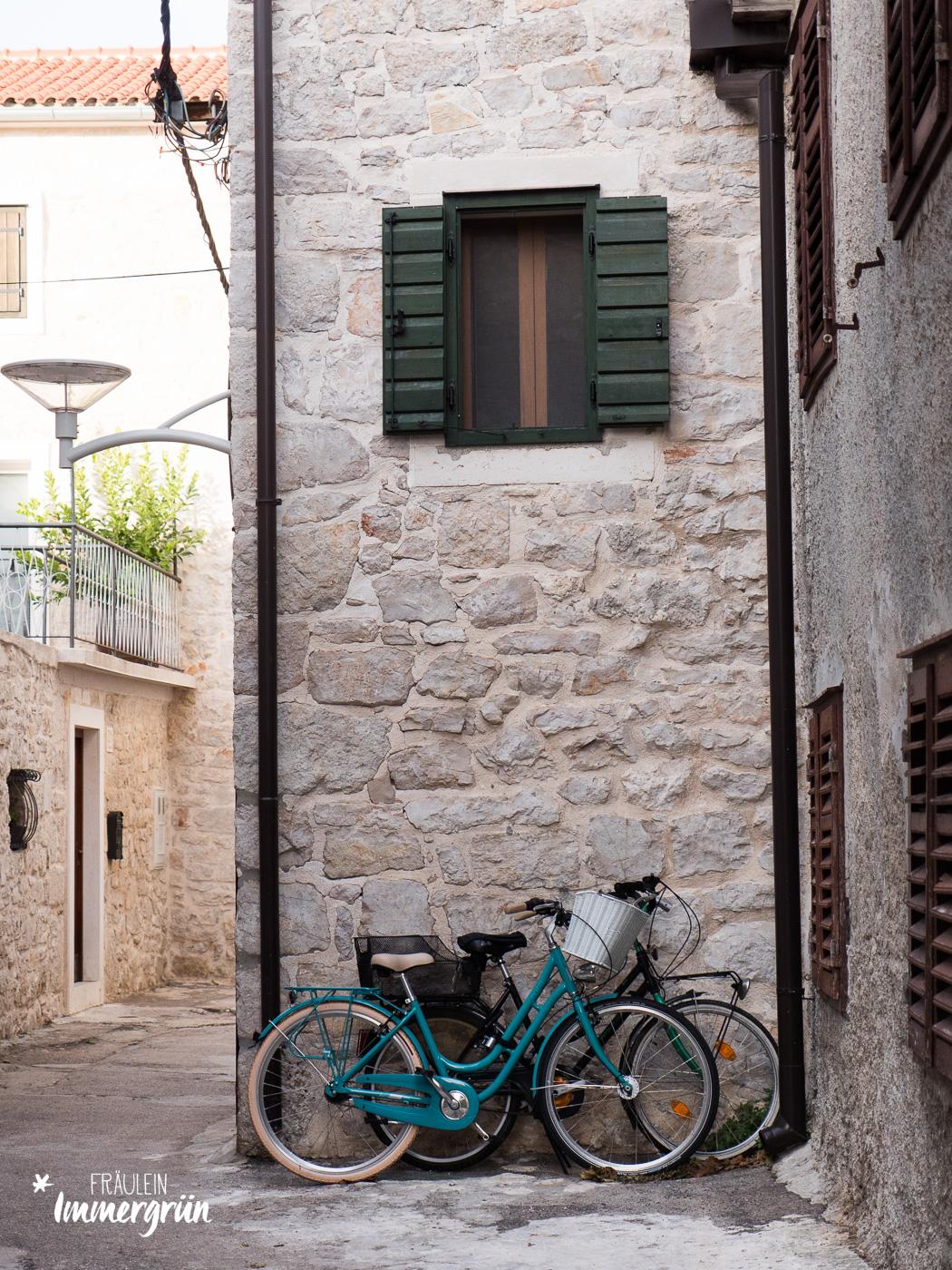 Dalmatien in Kroatien: Urlaub an der dalmatinischen Küste in der Nebensaison – Insel Murter mit Betina